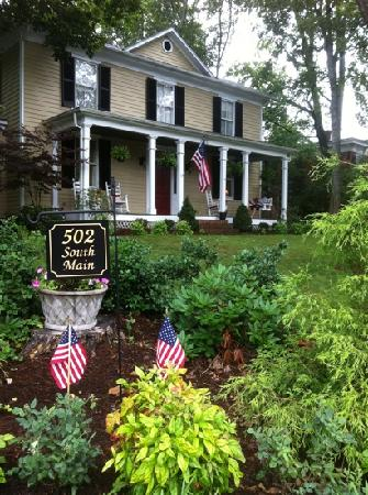 502 South Main: Southern Hospitality