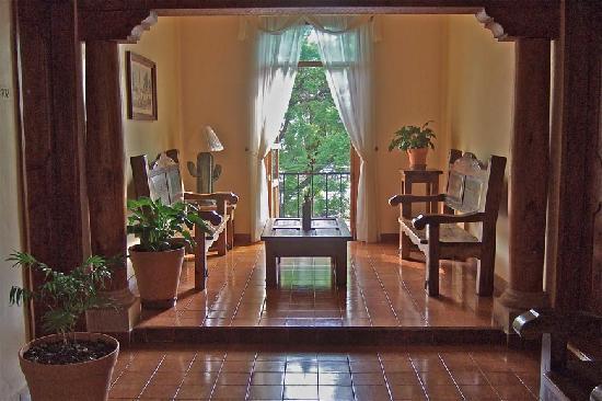 Gran Hotel: hallway