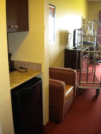 Holiday Inn Express Hotel & Suites Orlando South-Davenport: fridge/microwave