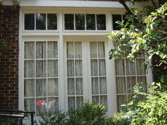 The Scott and Zelda Fitzgerald Museum: Detail of a window