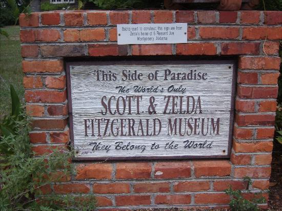 The Scott and Zelda Fitzgerald Museum: The front stoop