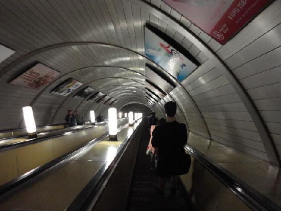Moscow Metro: the deep escalator