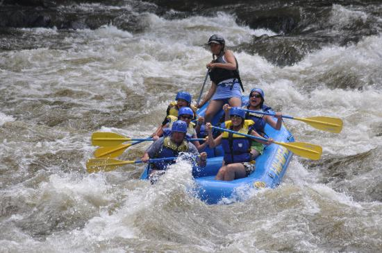 Appalachian Outdoors Whitewater Rafting: Great rafting!