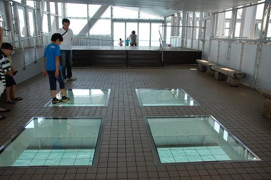 鳴門市, 徳島県, 橋の下を見るのぞき窓