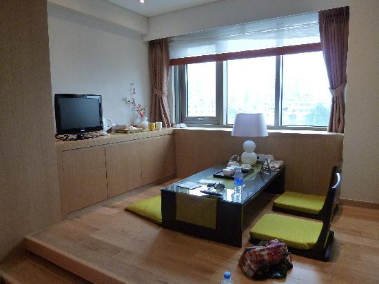 Hotel PJ Myeongdong: 和室コーナがあり落ち着きます。