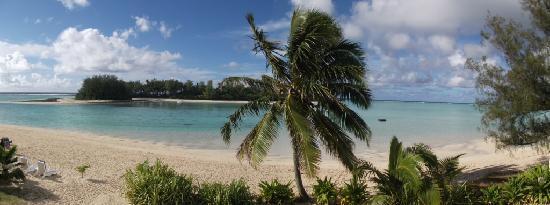 Muri Beach Club Hotel: View from Beachfront Room