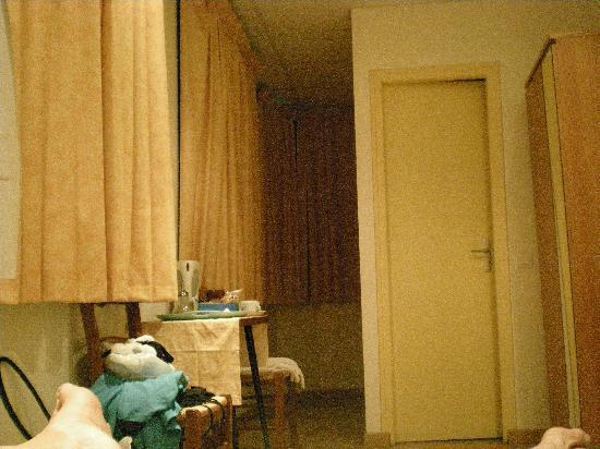 Hotel Tanagra: la chambre 17 la meilleure elle donne sur le port une vue imprenable