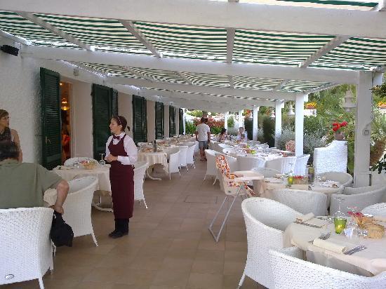 Hotel Antares: Il ristorante in terrazza, con Giulia