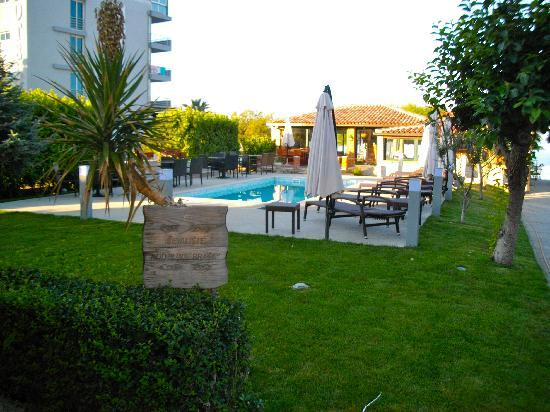 Villa Hotel BB (Apartments Bozikovic): Lovely garden