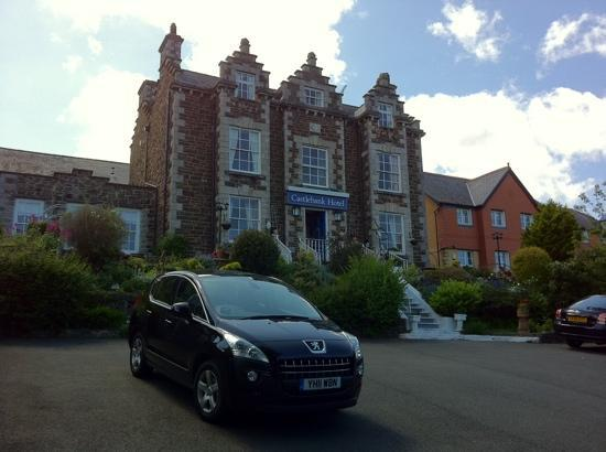 Castlebank Hotel: plenty of private parking space