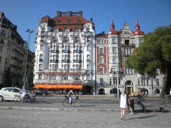 Hotel Diplomat: Hotel exterior