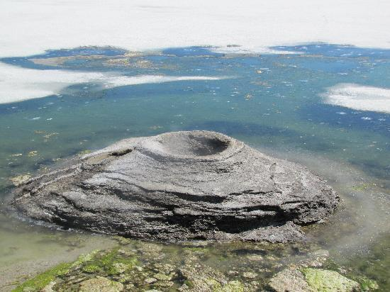 West Thumb Geyser Basin: West Thumb - Fishing Cone