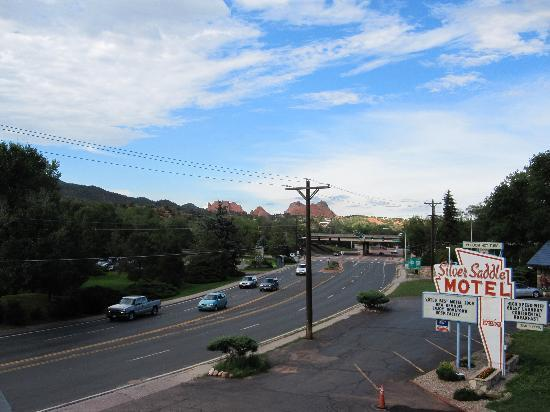 Silver Saddle Motel: Great views!