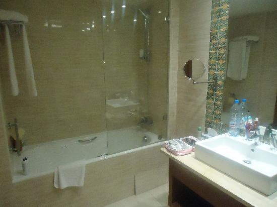 IBEROSTAR Royal El Mansour & Thalasso: Bathroom