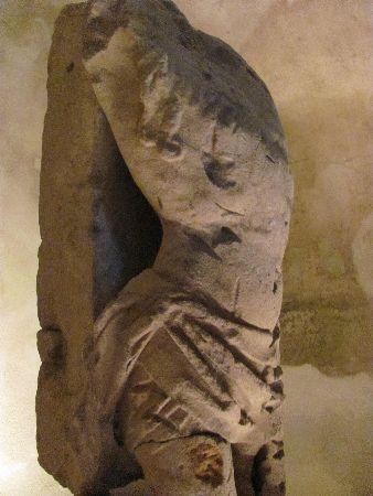 Sakristei der Minoritenkirche: remains of a statue