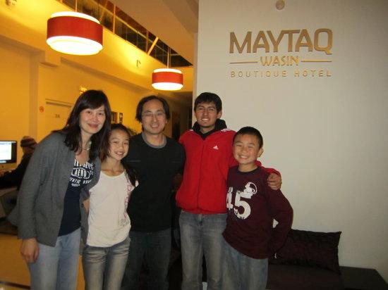 Machu Travel Peru Day Tours: happy family