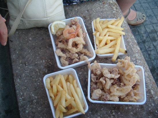 Hotel Eden : Fish and Chips-don't expect cod, as we ignorantly did..mixture of squid/octopus and prawn. lovel