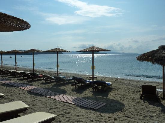 Vasilias, Hellas: The hotel beach
