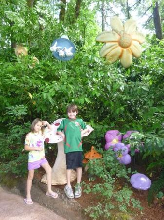 Enchanted Forest Theme Park: Cute stuff all over the park