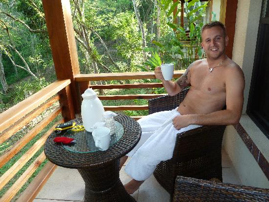 Mystic River Resort: Enjoying a cup of tea in the moring!