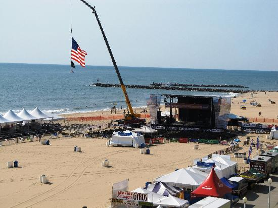 Ramada Virginia Beach Oceanfront: View from Balcony #2 - Stage for Patriotic Festival