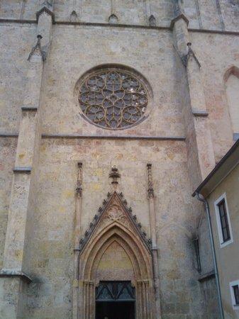 Stift Neuberg : Die gotische Fassade der Stiftskirche