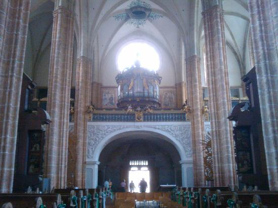 Stift Neuberg : Die runde Orgel