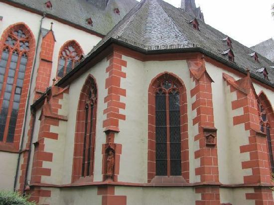 Basilika St. Martin: detail exterior