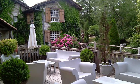 Le Moulin du Roc : outside area