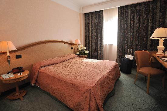 Perugia Plaza Hotel: Camera matrimoniale Standard