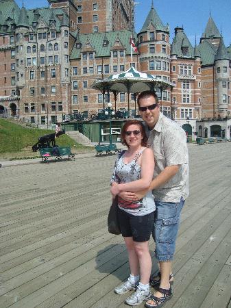 Hotel Terrasse Dufferin: devant le chateau frontenac