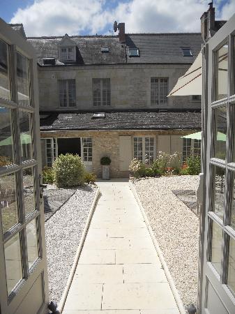 Hotel de Biencourt: Vue de l'ancienne école