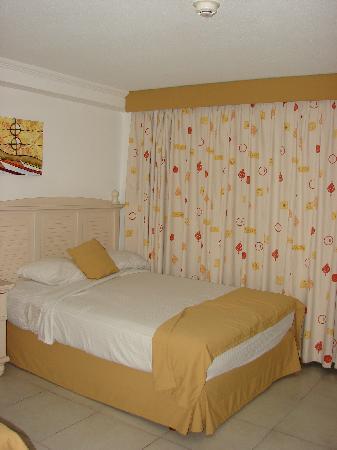Isla Caribe Beach Hotel: Habitación