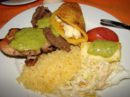 Isla Caribe Beach Hotel : Comida temática venezolana