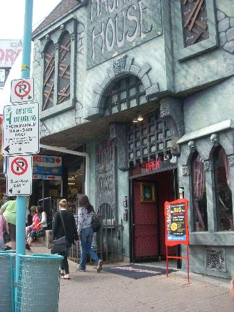 clifton hill haunted houses