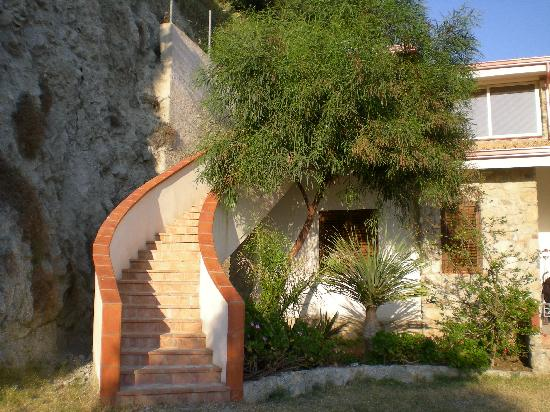 Hotel Village Eden : ingresso appartamento trilocale
