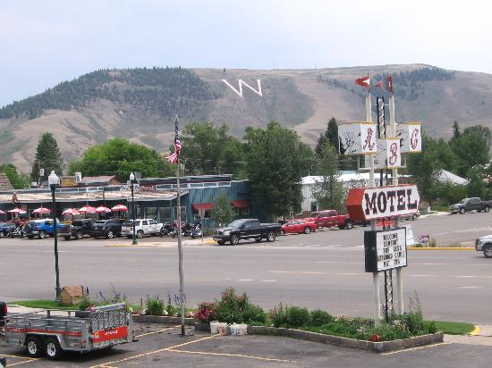A-B-C Motel: View of the W mountain from ABC Motel parking lot