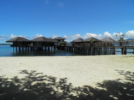 Dos Palmas Island Resort & Spa: Blick auf die Wassersuites (werden zu der Zeit renoviert)