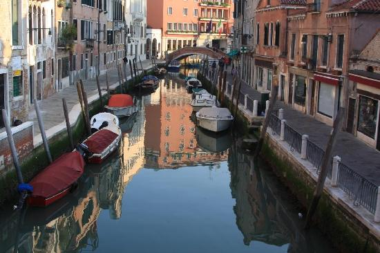 Casanova ai Tolentini: Canal View from the Suite