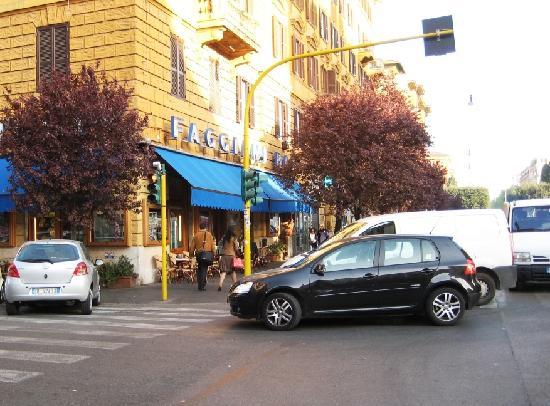 Maison Genevois 3: Faggiani's Bar