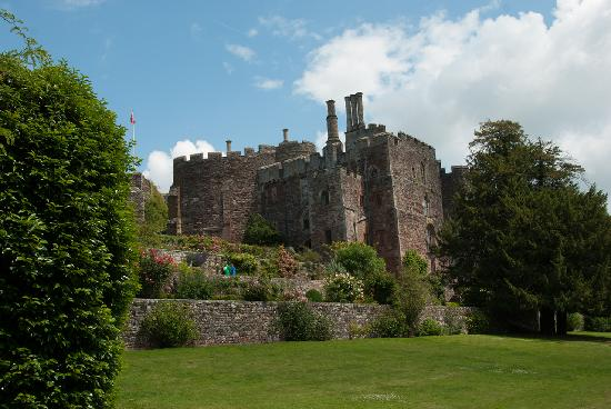 Berkeley Castle: View from the gardens