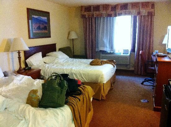 Holiday Inn Express Farmington (Bloomfield): 2nd floor room