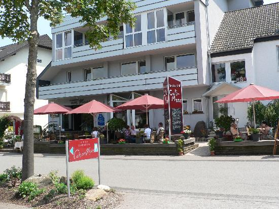 Meerfeld, Germany: Front of hotel