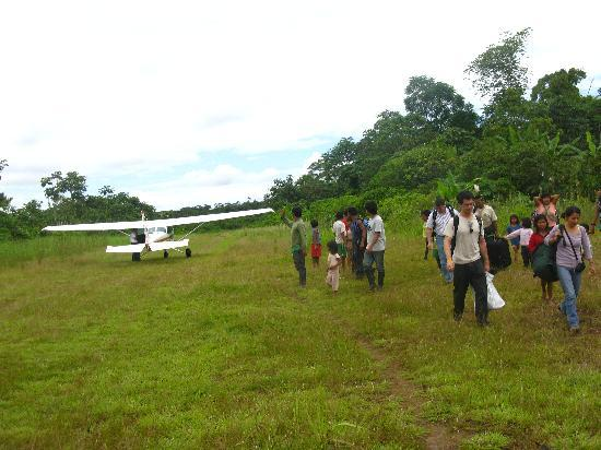 Huaorani Ecolodge : The little plane that gets you there