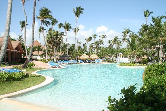 VIK Hotel Arena Blanca: The pool from Vik
