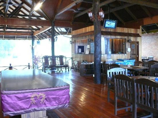 Myne Resort: Eingangsbereich mit Billardtisch