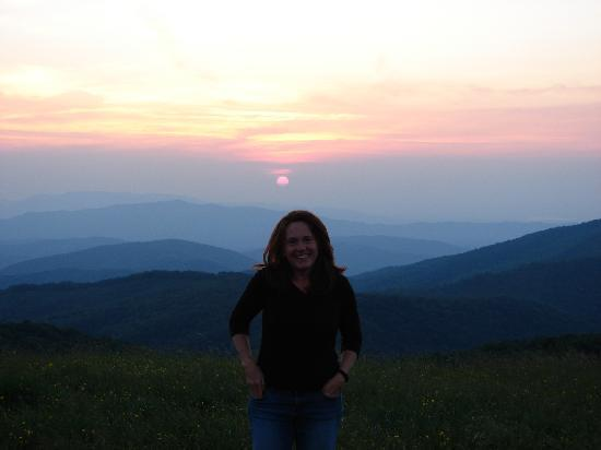 Dancing Sun Cabins: Sunset at Max Patch
