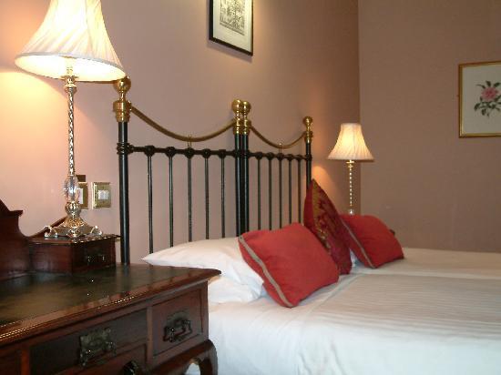 Listowel Arms Hotel: Listowel Arms twin room