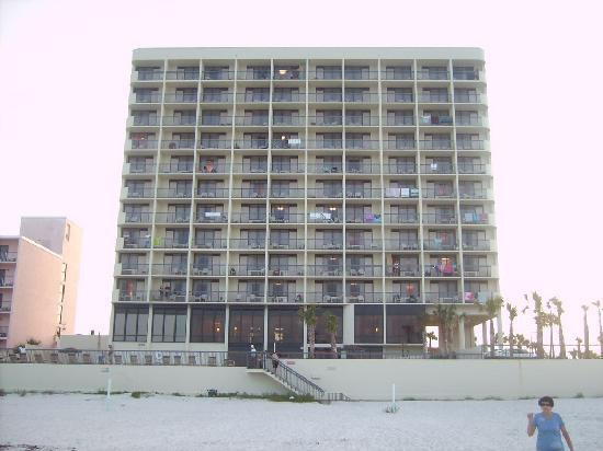 Holiday Inn Express and Suites Oceanfront: VIEW OF HOTEL FROM BEACH