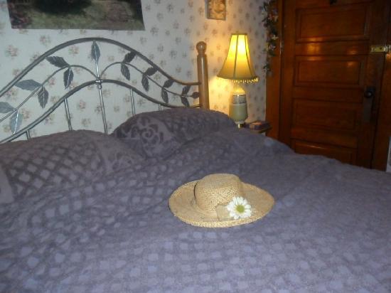 Raphael Inn Bed and Breakfast: Evangeline room
